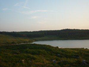 Lac qui se trouvait au bout de la balade à cheval que l'on a faite hier soir... ! p1090638-300x225